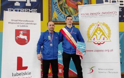 Piotr Lewandowski ze złotym medalem